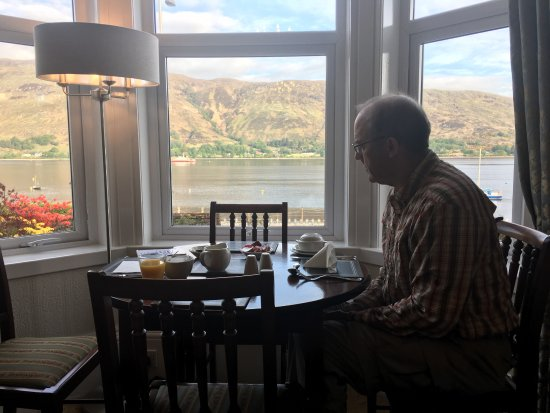 Myrtle Bank Guest House: breakfast with a view