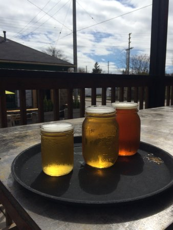 The Socialist Pig : Beers on the porch