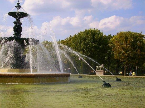 Beau kiosque. - Picture of Jardin du Mail, Angers - TripAdvisor