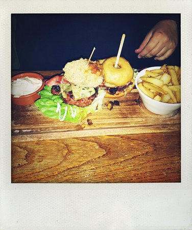 Munlochy, UK: Venison burger & Cheesecake