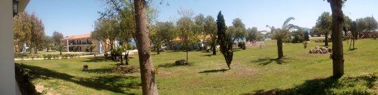 Louis Zante Beach Hotel: hotel gardens