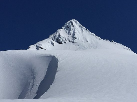 Leavenworth, WA: Mt. Shuksan summit pyramid