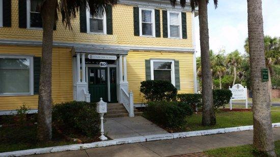 Apalachicola, Φλόριντα: Front of main house & reception