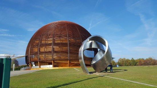 CERN Univers de particules: The dome