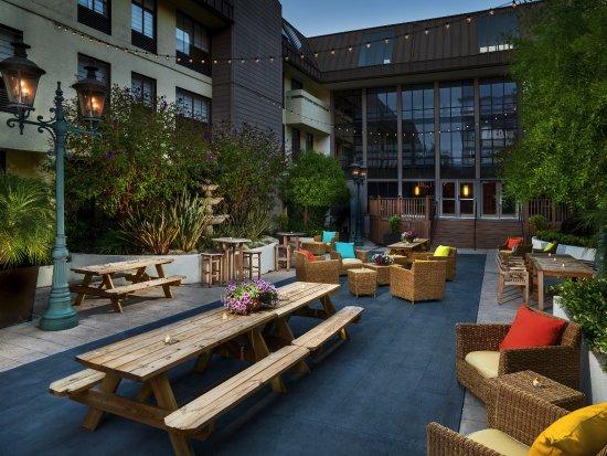 Sheraton Fisherman's Wharf Hotel: Courtyard