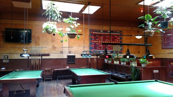 Centralia, WA: Pool tables and snooker too