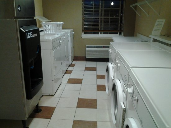 Williamsport, PA: Laundry Room