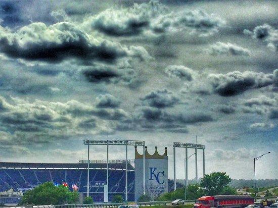 Drury Inn & Suites Kansas City Stadium: View from upper rooms