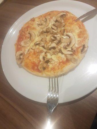 Burbach, Deutschland: Pizza fungi