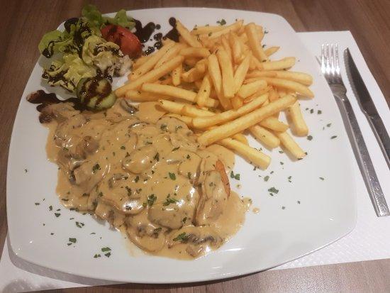Burbach, Deutschland: Austrian style schnitzel