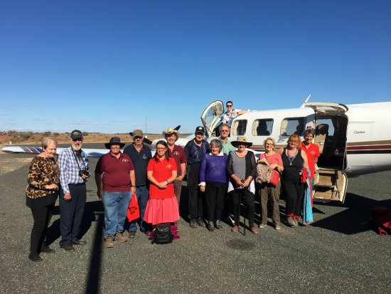 Moorabbin, Australia: Some of the passengers we flew at White Cliffs, NSW