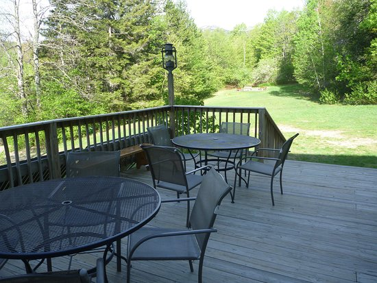 Alexandria, NH: Deck right outside dining area