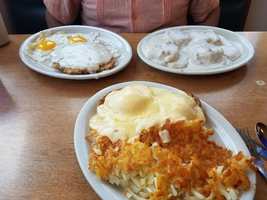 Yakima, WA: Chicken Fried Steak, Biscuits and Gravy, Eggs Copenhagen