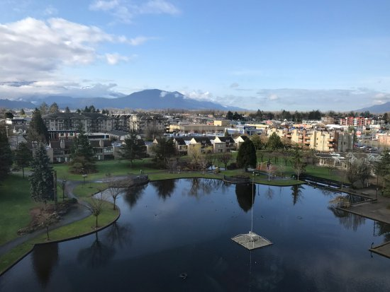 Coast Chilliwack Hotel: View of Chilliwack from our Coast Hotel Room!