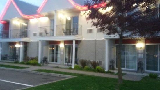 Hotel Motel Le Gite Inc.: TA_IMG_20170522_211443_large.jpg
