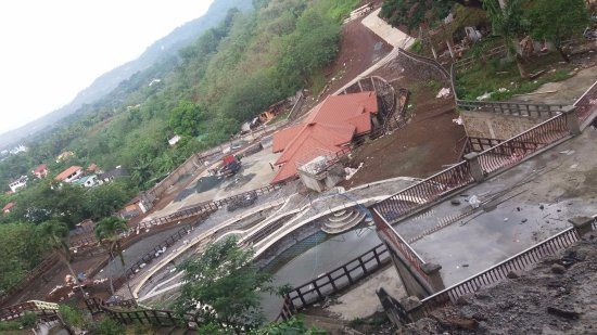 Sol Y Viento Mountain Hot Springs Resort: Construction going on