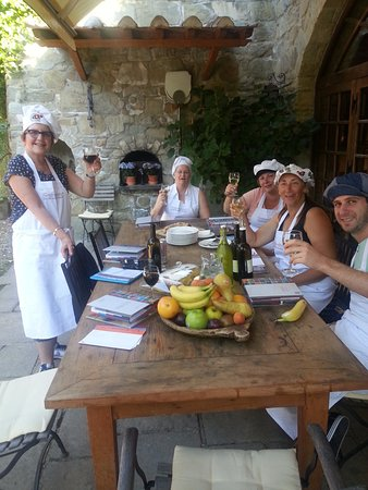Poppi, Italy: Mid-afternoon snack break from cooking with wine of course