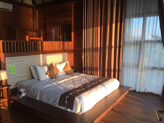 BeeJay Bakau Resort Restaurant: photo3.jpg