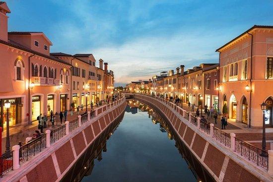 Florentia Village, Tianjin Luxury Designer Outlet