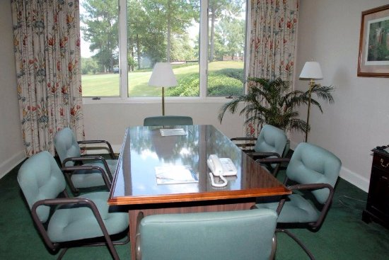 The Inn at Houndslake: Small Meeting Room