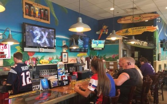 Port Saint Lucie, FL: Casual, Relaxed, Fun atmosphere at Hurricane's