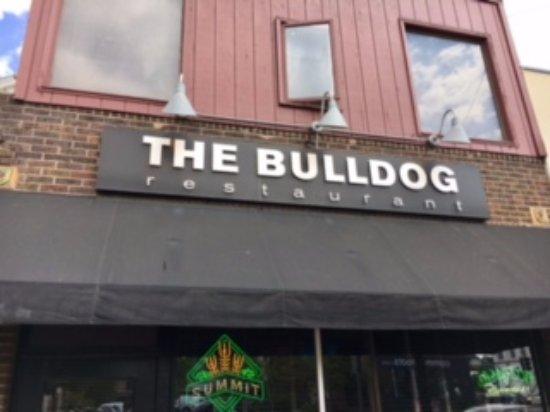 The Bulldog: The entrance