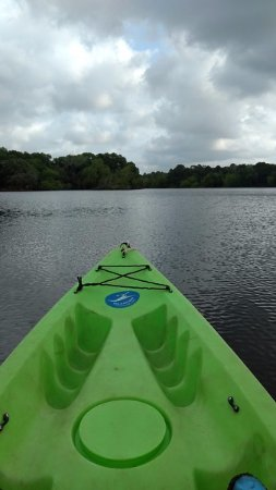 Smithville, TX: Canoeing on the lake