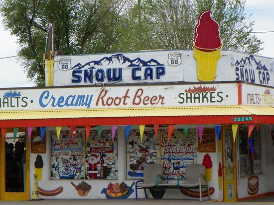 Aztec Motel & Gift Shop: Snow Cap - Route 66 (Across the Street from Hotel)