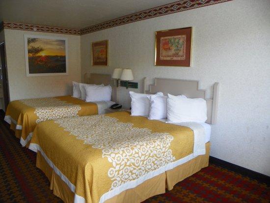 Days Inn by Wyndham Kokopelli Sedona: Bedroom