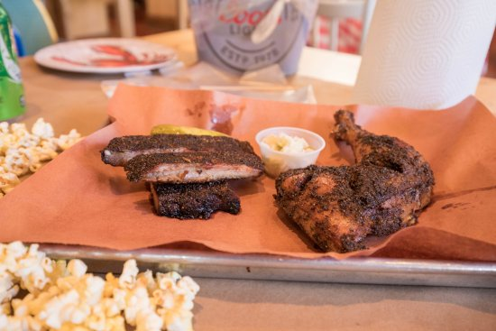 Fort Lee, NJ: Smoked Chicken and Ribs
