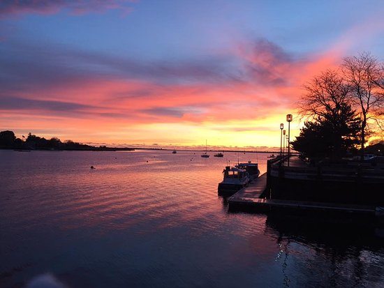 Newburyport, Μασαχουσέτη: Sunrise at the Waterfront Park