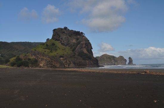 Piha Beach Lion Rock