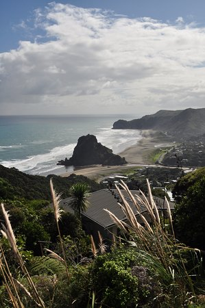 Piha Beach Lion Rock