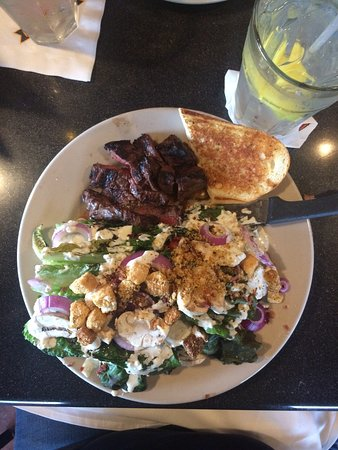 Longmont, CO: Grilled Romain Steak Salad- Excellent! Filling without feeling heavy. So many wonderful choices