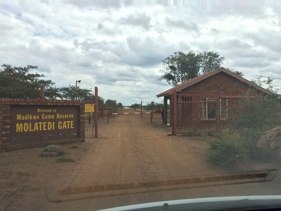 Madikwe Game Reserve, South Africa: Front entrance, still 1 hour to drive in to lodge.