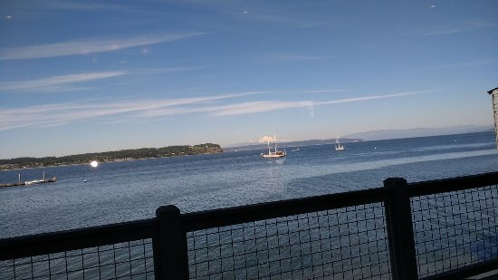 Coupeville, WA: The view from our Table.