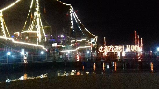 Captain Hook Barco Pirata Pirate Ship: 20170522_222233_large.jpg