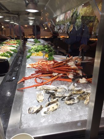 Montclair, Kalifornien: They even have crab legs and oysters!