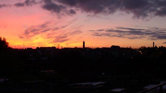 Jaroslawiec, Polen: Widok z balkonu o zachodzie słońca
