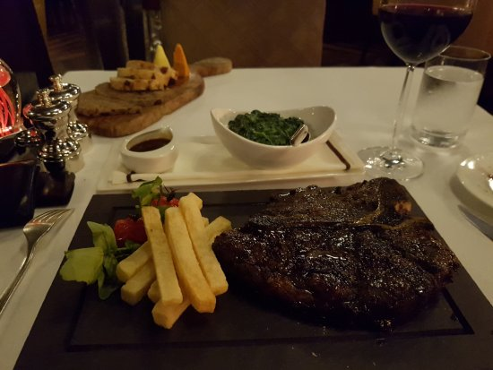 Dark pic delicious steak Bild från Marco Pierre White