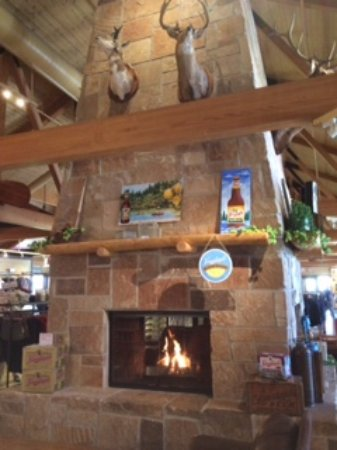 Chippewa Falls, WI: Have a seat in front of he fireplace