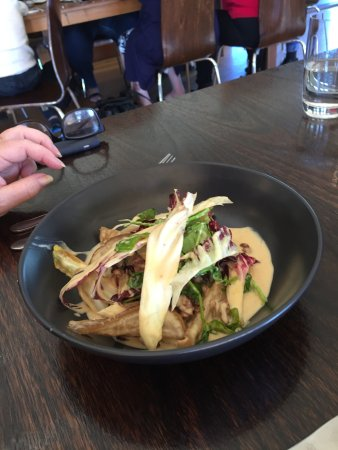 Dixons Creek, Australia: Pear & Taleggio Raviolo with radicchio & watercress, walnuts in cream sauce