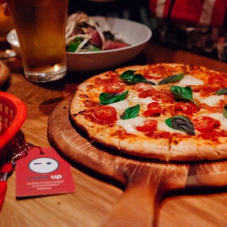 Wake Up! Sydney : Side Bar - Dinner