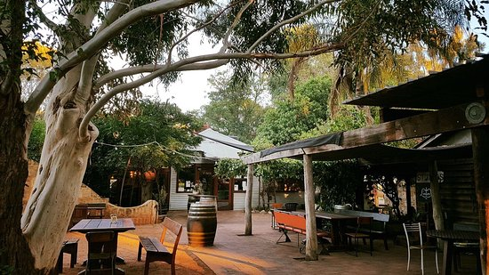 Middle Swan, ออสเตรเลีย: Just another Beautiful morning at our little cafe.