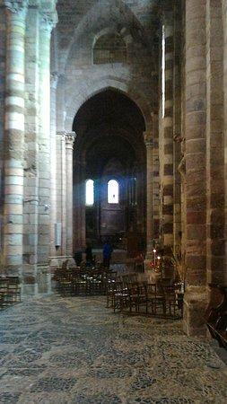 Brioude, Франция: L'interieur