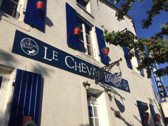 Auberge Le Cheval Blanc: photo3.jpg