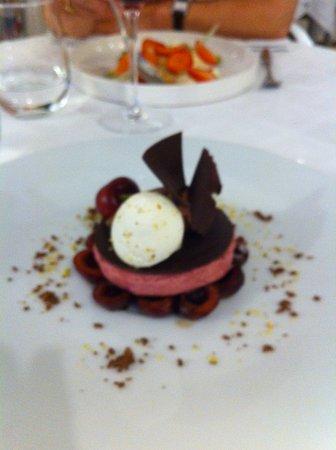 Dury, Francia: dessert chocolat de cao cerise