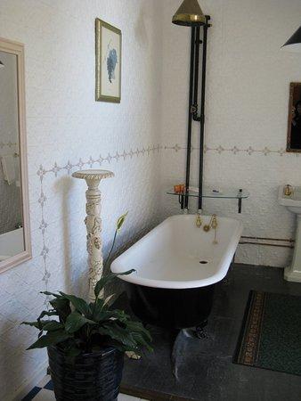 Ugbrooke Country Estate: Heitage bathroom