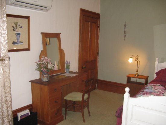 Ugbrooke Country Estate: Chevalier Room