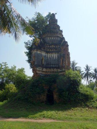 Battambang, Kambodża: Really old temple